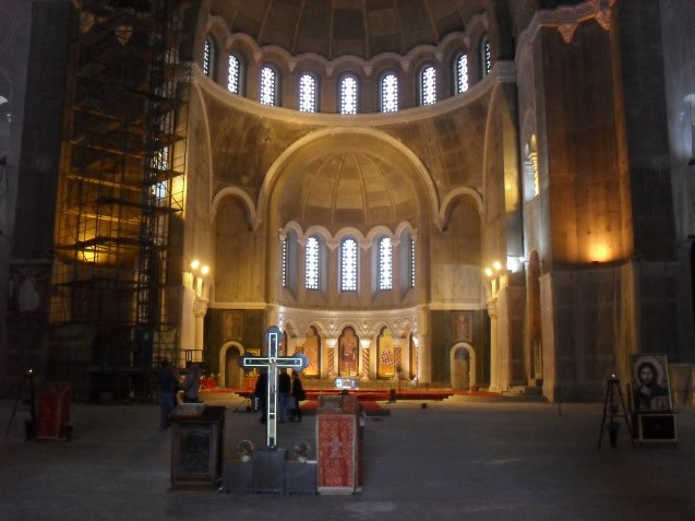 You've got the idea about blown up buildings now. Have some pictures of the half-finished interior of St Sava's.