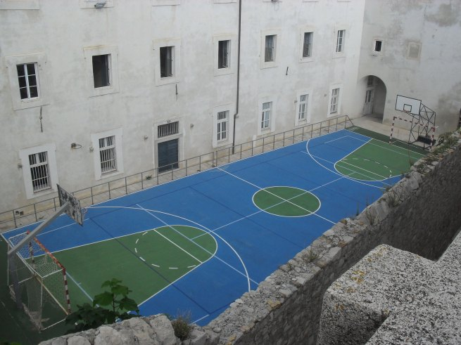 Unexpected basketball court <3