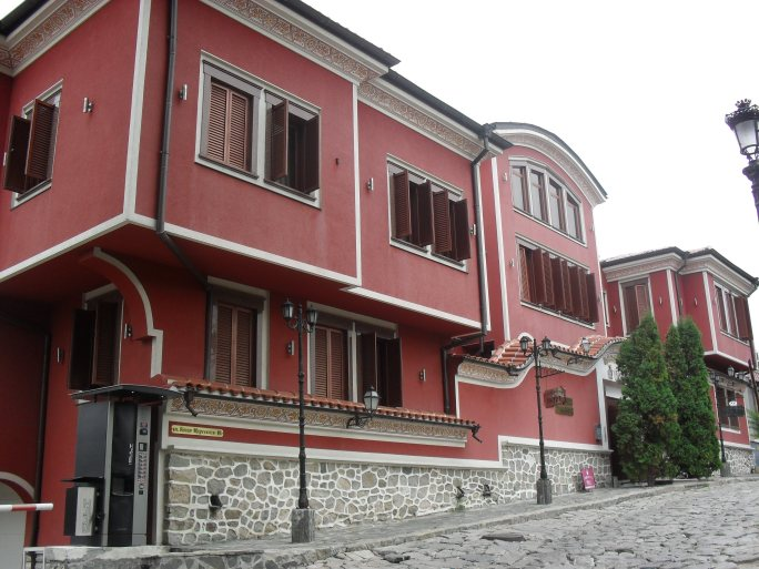 Most of the houses in the Old Town look like this, in a variety of colours.